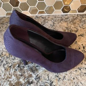 Xappeal purple suede shoes